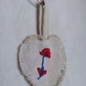 Kulcstartó, Táska, Divat & Szépség, Kulcstartó, táskadísz, Hímzés, Varrás, Kézi hímzéssel díszített, újrahasznosított sávolykötésű régi vászonból készített kulcstartó. Az ere..., Meska
