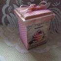 Cukorkás kekszes doboz, Otthon, lakberendezés, Konyhafelszerelés, Fűszertartó, Tárolóeszköz, A doboz 2-2 oldalát pöttyös, ill. sütis mintával díszítettem. Gyöngyház rózsaszín színt ..., Meska