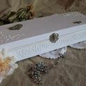 Esküvői doboz , Dekoráció, Esküvő, Nászajándék, Decoupage, transzfer és szalvétatechnika, Fehér színű elegáns esküvői doboz, melyet más színben is kérhetsz, felirattal is rendelhető.   Post..., Meska