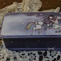 vintage doboz emlékeknek, ékszernek , Ékszer, óra, Dekoráció, Baba-mama-gyerek, Ékszertartó, Decoupage, transzfer és szalvétatechnika, Cuki koptatott vintage mintájú  ékszeres , emlékes kis doboz, kislányoknak, vagy gyermeklelkűeknek ..., Meska