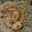 Gyönyörű formájú liba tojások díszítve, Dekoráció, Húsvéti díszek, Ünnepi dekoráció, Nagyon szép formájú , hatalmas liba tojások különböző díszítéssel.  Az ár 6 db-ra vonatk..., Meska