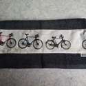 Biciklis törölközö, Férfiaknak, Legénylakás, Bringás kiegészítők, Varrás, 70x140 cm-es jó minőségi frottír törölköző és bicikli mintás pamutvászon társításából jött létre. M..., Meska