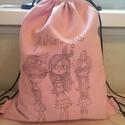 Csajos hátizsák, tornazsák, Táska, Hátizsák, Varrás, Rózsaszín erős vászonból transzfertechnikával készítettem a hátizsákot. Sokoldalúan használható, to..., Meska
