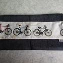 Biciklis törölközö, Férfiaknak, Legénylakás, Bringás kiegészítők, Varrás, 70x140 cm-es jó minőségi frottír törölköző és bicikli mintás pamutvászon társításából jött létre. G..., Meska