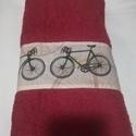 Biciklis törölközö, Férfiaknak, Legénylakás, Bringás kiegészítők, 70x140 cm-es jó minőségi frottír törölköző és bicikli mintás pamutvászon társításábó..., Meska