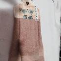 Madárkás konyhai kéztörlő, Konyhafelszerelés, Dekoráció, .Madárka mintás  textil és frottír házasításából készítettem Mérete: 48x33,5 cm. Gombbal rögzíthető ..., Meska