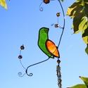 Tiffany énekes madár függő dísz, Dekoráció, Otthon, lakberendezés, Dísz, Kerti dísz, Üvegművészet, Tiffany technikával készült 26 cm hosszú (a madár 9cmx3cm) énekesmadár réz dróton függő dísz. A mad..., Meska