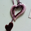 Tűzzománc medál-pár Hopp kollekció, Ékszer, óra, Medál, Ékszerkészítés, Tűzzománc, Egyedi megoldású kétrészes, szívet formáló tűzzománcozott medál-pár. A nagyobbik szív mérete 4 cm. ..., Meska