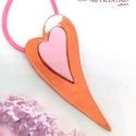 My Valentine - tűzzománc medál, Ékszer, Medál, Nyaklánc, Modern vonalú, polírozott vörösréz hátlapra ragasztott puha rózsaszínű tűzzománc szívecske medál.  A..., Meska