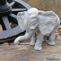 Kerámia elefánt, Otthon & lakás, Képzőművészet, Szobor, Kerámia, Kézzel készített égetett kerámia elefánt, akril festékkel festve lakozzva.mérete 26+16cm, Meska