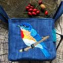 Kék madaras farmer tároló dobozka, NoWaste, Otthon & lakás, Táska, Divat & Szépség, Dekoráció, Táska, Gyönyörű kék madaras mintával hímzett  farmer doboz. A mintát géppel hímzem rá a farmerra. Heveder p..., Meska