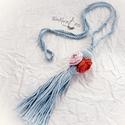 Extravagáns bohém nyaklánc  rózsákkal, Ékszer, Karkötő, A bohém kollekció  egyik szépséges darabját látod,.  Halványkék   fonalból, horgolással készült,  ró..., Meska