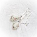 Fehér üveg fülbevaló, romantikus, Ékszer, Fülbevaló, Csepp alakú  fehér fóliázott lámpagyöngy fülbevaló  üveg szárral, ezüstözött akasztóva..., Meska