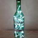 Ledes dekor borosüveg - króm csíkos zöld palack időzítős égősorral, Otthon, lakberendezés, Lámpa, Hangulatlámpa, Festett tárgyak, Újrahasznosított alapanyagból készült termékek, Borospincét a lakásba! Miután kiürült a palack, miért ne használhatnánk fel a lakásunkban dekoráció..., Meska