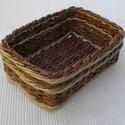 Csíkos kosárka, Otthon, lakberendezés, Tárolóeszköz, Kosár, Fonás (csuhé, gyékény, stb.), Papírfonással készült termék, újra hasznosított papírból. A végleges forma elnyerése után a lakkozá..., Meska