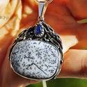 Ködben (medál), Ékszer, Medál, Egyedi, kicsit organikus medál  gyönyörű, misztikus kis holdkővel és dendrites acháttal. A medál mes..., Meska