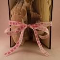 """Babatalp hajtogatott könyv origami - Gyermekáldásra - Születés - Csecsemőláb - könyvszobor - Kislány - E37, Dekoráció, Otthon, lakberendezés, Dísz, Utcatábla, névtábla, Hajtogatott könyv vagy más néven könyv origami.  Fiús színben is rendelhető - """"It's a boy feliratos ..., Meska"""
