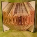 Egyedi 7 betűs feliratos hajtogatott könyv - egyedi 7 betűs szöveg - origami - Primoil - E82, Dekoráció, Otthon, lakberendezés, Dísz, Utcatábla, névtábla, Hajtogatott könyv vagy más néven könyv origami.   Egyedi elképzelés alapján bármilyen szöveg elkészí..., Meska