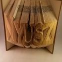 Egyedi 6 betűs hajtogatott könyv origami - Nyuszi- Évfordulóra - Hölgyeknek - Könyvszobrászat - E42, Dekoráció, Otthon, lakberendezés, Utcatábla, névtábla, Dísz,  Hajtogatott könyv vagy más néven könyv origami.  Egyedi elképzelés alapján bármilyen szöveg elkészí..., Meska