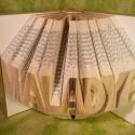 Egyedi 8 betűs feliratos hajtogatott könyv - egyedi 8 betűs szöveg - origami - Maladype - E58, Dekoráció, Otthon, lakberendezés, Dísz, Utcatábla, névtábla, Hajtogatott könyv vagy más néven könyv origami.   Egyedi elképzelés alapján bármilyen szöveg elkészí..., Meska