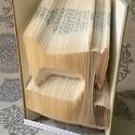 Varrógép mintájú hajtogatott könyv origami - Singer - kézműveseknek - szabó - varrás - Patchwork - E141, Dekoráció, Otthon, lakberendezés, Dísz, Hajtogatott könyv vagy más néven könyv origami.   ****ALAP INFORMÁCIÓK**** A hajtogatott könyv ideál..., Meska