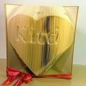 Egyedi feliratos hajtogatott könyv origami-Újrahasznosított-Kitti szívben-Évfordulóra-Hölgyeknek-5 betű-E137, Dekoráció, Otthon, lakberendezés, Dísz, Hajtogatott könyv vagy más néven könyv origami.  Egyedi elképzelés alapján bármilyen szöveg elkészít..., Meska