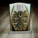 Hópehely formájú könyvszobor - Újrahasznosított-hópihe - tél - karácsony - E236, Dekoráció, Képzőművészet, Otthon, lakberendezés, Karácsonyi, adventi apróságok, Hajtogatott könyv vagy más néven könyv origami.   ****ALAP INFORMÁCIÓK**** A hajtogatott könyv ideál..., Meska
