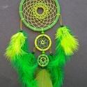 Kis zöld álomfogó, Dekoráció, Dísz, Zöld átnyalatokkal készült álomfogó.A termék magassága, akasztó nélkül 32 cm. A karikák ..., Meska