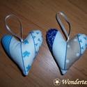 Szívek - kék-fehér színkombinációban, Dekoráció, Otthon, lakberendezés, Dísz, Ez a két, egymással színben harmonizáló szív fehér alapon kék mintás pamutvászonból kész..., Meska