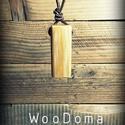 Fenyőfa nyaklánc-közepes, Ékszer, Medál, Nyaklánc, Fenyőből készült medál, bőr szalaggal.   -Méret: 50 mm x 20 mm -Anyag: Fa (fenyő)  , Meska