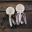 Névre szóló, romantikus alternatív esküvői ültetőkártya, Egyedi tervezésű, rétegelt lemezből készült ...