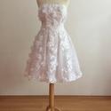 Anaszta ruha, Esküvő, Ruha, Menyasszonyi ruha, Varrás, Az Anaszta ruha fehér 3d csipkéből készült rövid menyasszonyi ruha. Mérete szabályozható. A ruha mé..., Meska