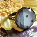 Szürke pöttyös gyűrű, Ékszer, óra, Gyűrű, Állítható méretű, antik réz színű szürke árnyalataiban pompázó gyűrű.  A gyűrű fejének átmérője 2 cm..., Meska