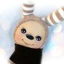 Nyuszi baba, Baba-mama-gyerek, Játék, Baba, babaház, Plüssállat, rongyjáték, Nyuszi ruhába bújt, festett arcú textilbaba. 28 cm magas+a fülei.  Nagyon puha, mosolygós kis figura..., Meska