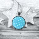 Kék pöttyös medál, Ékszer, óra, Nyaklánc, Medál, Textillel bevont gombból készült ez a nyaklánc, amit egy aprócska madár is díszít. A medál átmérője:..., Meska