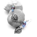 Kék és lila levél fülbevaló, Ékszer, Fülbevaló, Kék és lila üveg illetve cseh gyöngyök felhasználásával készült ez az ezüst színű leveles fülbevaló...., Meska