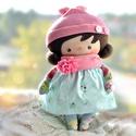 Tilda baba kékben, és rózsaszínben, Baba-mama-gyerek, Játék, Baba, babaház, Baba-és bábkészítés, Varrás, 33 cm magas, bájos textil baba. Ruhadarabjai levehetőek.  Kiváló játszótárs. , Meska