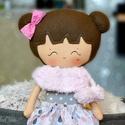 Dolly baba, Baba-mama-gyerek, Játék, Baba, babaház, 40 cm magas  textil baba.  Minden ruhadarabja levehető.   Arca kézzel festett, vízálló, nem maszatol..., Meska