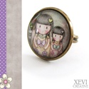 """""""Gorjuss sisters"""" - üveglencsés gyűrű, Ékszer, Gyűrű, Két lánytestvért ábrázoló képet ragasztottam üveglencse alá, amit bronz színű gyűrűalap..., Meska"""