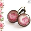 """""""Rózsaszín virág"""" - üveglencsés fülbevaló, Ékszer, Fülbevaló, Rózsaszín árnyalatú virágot ábrázoló mintás papírt ragasztottam üveglencsére, majd bronz színű franc..., Meska"""