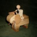 Harci elefánt + katona, Baba-mama-gyerek, Játék, Fajáték, Játékfigura, A termék teljes egészben fából készült és parrafinolajjal van kezelve.  1 db elefánt, 1 db k..., Meska