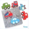 JÁRMŰVEK baba könyv / babakönyv, készségfejlesztő játszókönyv, babajáték, textilkönyv, csendeskönyv, matató könyv, Gyerek & játék, Játék, Készségfejlesztő játék, Baba játék, Varrás, Patchwork, foltvarrás, Autó hátán autó :)  Saját tervezésű interaktív textil babakönyv, készségfejlesztő könyv, Montessori..., Meska