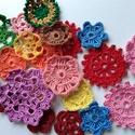 Horgolt virág csomag - 22 db, Dekoráció, Dísz, Horgolt virág csomag.   Tartalma a fotón látható 22 db virág.   Átmérő: 3 cm - 6,5 cm közö..., Meska