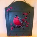 Kulcstartó, Dekoráció, Képzőművészet, Dísz, Ez a vörösbeggyel díszített kulcstartó lakásod ékes dekorációja lehet. A háttér színét saját magam k..., Meska