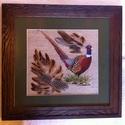 Festett-hímzett fácán kép, Dekoráció, Kép, Selyemfonallal hímzett fácánt ábrázoló kép, madár tollal dekorálva, fa képkeretbe foglalva..., Meska