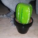 Kavicskaktusz 4, Dekoráció, Otthon, lakberendezés, Dísz, Kerti dísz, Duna parton szedett kavicsot festettem meg akrilfestékkel kaktuszosra. :) A cserépbe modellgipsz seg..., Meska