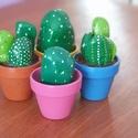 Kavicskaktuszok, Dekoráció, Otthon, lakberendezés, Dísz, Kerti dísz,  Ezek a kaktuszok a Te megrendelésedre készülhetnek!:) Találd ki milyet szeretnél, és elkészítem. Am..., Meska