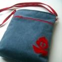 Kék-piros táska, Sötétkék, velúrhatású, vízlepergető textil...