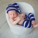 Újszülött csíkos  kisfiú szett nadrág+ sapi, A képen látható újszülött csíkos kisfiú sz...