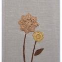 Virágom, virágom... romantikus füzet , Diólevéllel, hagymával festett horgolt csipkék...